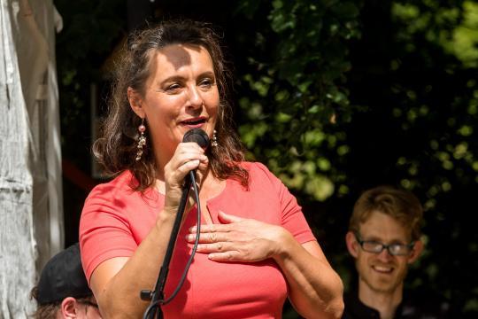 Claudia Busson