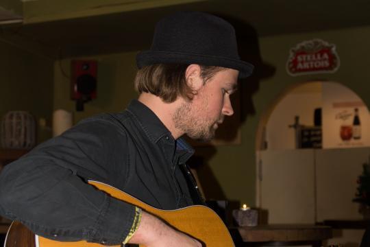 Cesare Acoustic