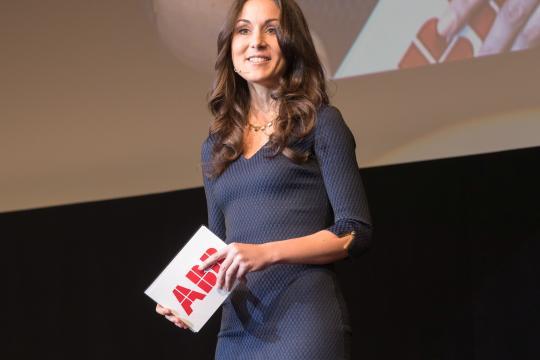 Dr. Angela Halfar