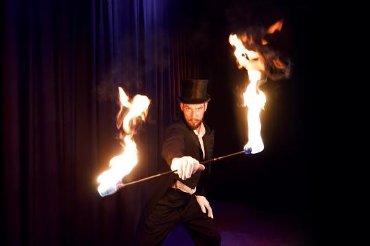 Thomas Reich – Feuershows & Lichtmagie