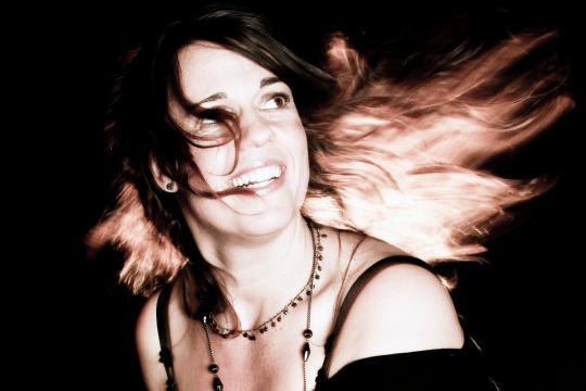 Eugenia Hagen (vocals + piano)
