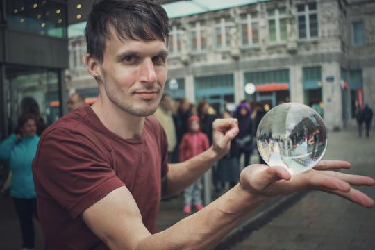 Robert von Edel / Jonglage - Tanz - Straßenkunst