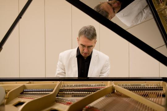 Barpianist, Sängerin, Sax