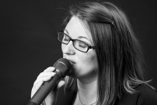 Lena Brutscheck - Hochzeitssängerin/Pianistin