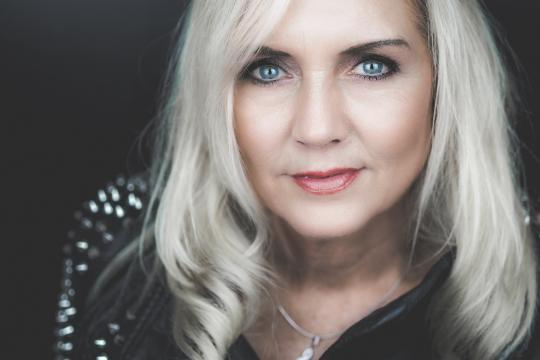 Susan Kent - Sängerin