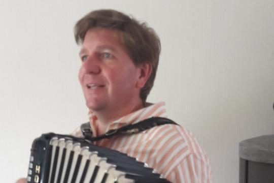 Thomas W. - Singen im Rudel, Kölsch, Akkordeon, Piano, Gitarre
