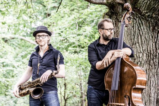 Wood Vibrations - Saxophon und Kontrabass