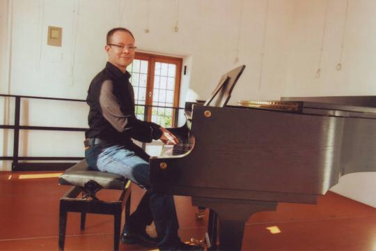 Piano & Beyond