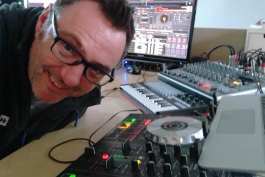 DJ K2wo