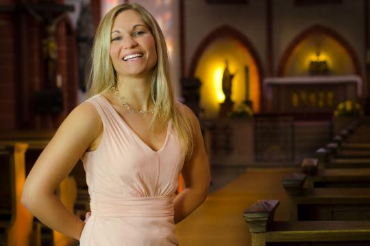 Katrin Armani – Die Sängerin für Hochzeit & Event