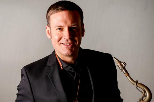 Solo- Saxophonist David Milzow