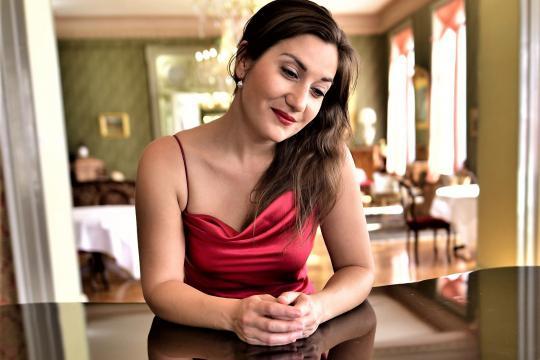 Anna Vichery Hochzeits- und Eventsängerin