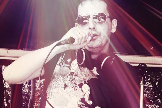 Karaoke-DJ - Live-Musik-Show-Moderator Gordon Pulver