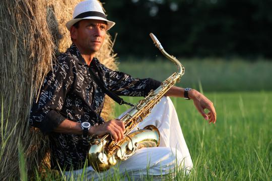 Live Saxophonist für Hochzeiten Dinner Brunch Barmusik Vernissage Sektempfang Geburtstag uvm.