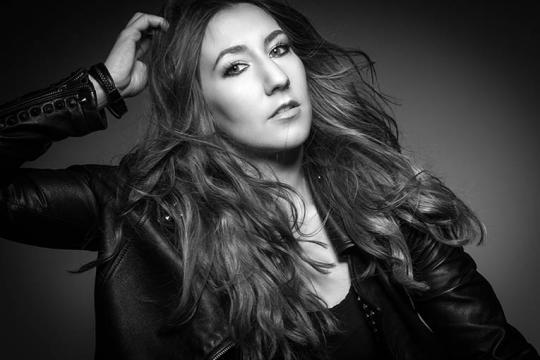 Sofia Jung- Musik, Show & Entertainment