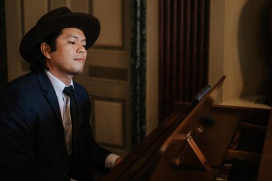 Yonatan Pandelaki - Pianist, Sänger - auch als Duo, PartyBand und mit DJ