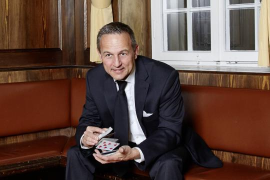 Zauberer Uwe Hofstätter für Heilbronn Heidelberg Karlsruhe Mannheim Darmstadt Baden-Baden Bruchsal