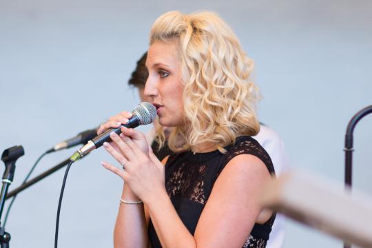 jasmina brunkel vocalist