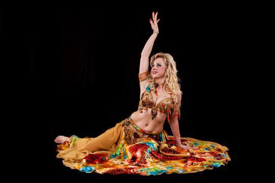 Elmira (Orientalische Tänzerin und Lehrerin)