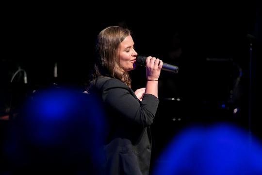 Lisa Belle Géneaux - gefühlvolle Momente kreieren mit Live-Gesang