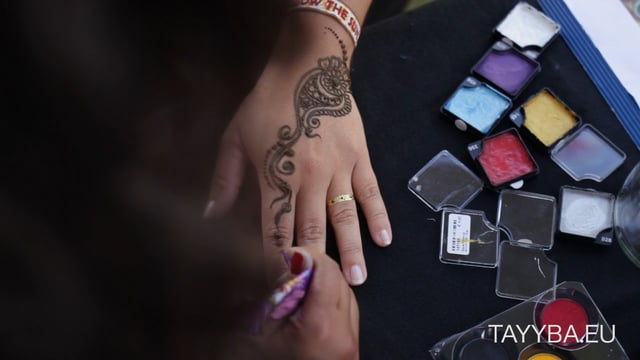 Video: Henna, Flash Tattoos für StreetOne