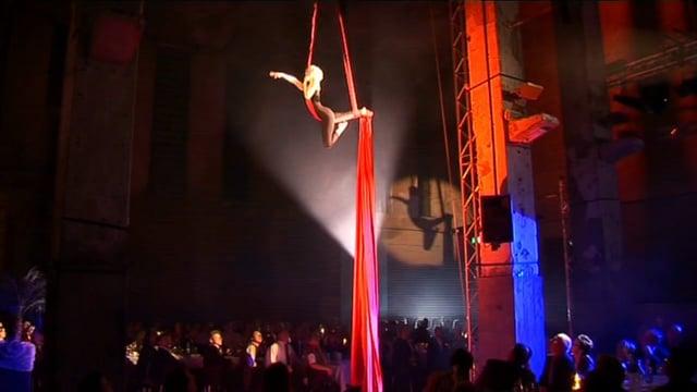 Video: Vertikaltuch-Akrobatik | Andrea Engler