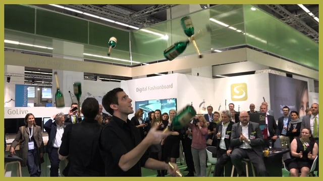 Video: Mix & Trix - Die Cocktailshow auf der Messe Frankfurt
