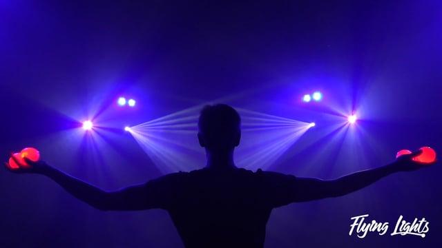 Video: Flying Lights - LED Leuchtshow
