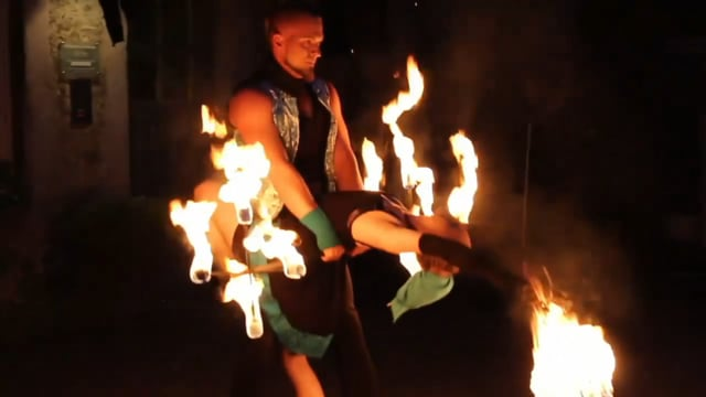 Video: Aristoflame Feuer Duo