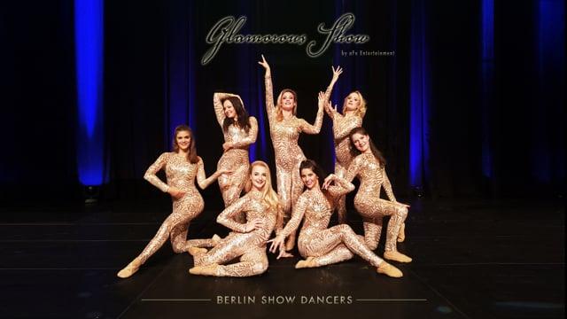 Video: Glamorous Show