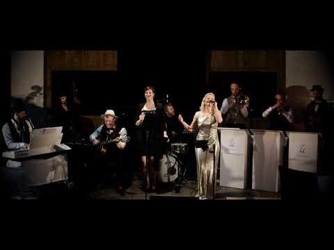 Video: Mit kleiner Big-Band und Sängerin - Moves Like Jagger - 007 James Bond Style