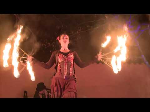 Video: Fairytale - märchenhafte Feuershow für Groß und Klein
