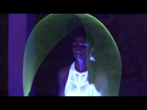 Video: Trailer Rope Skipping Show - Mira Waterkotte