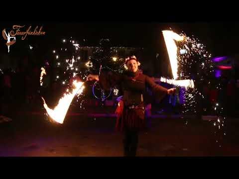 Video: Weihnachtliches Feuertanztheater