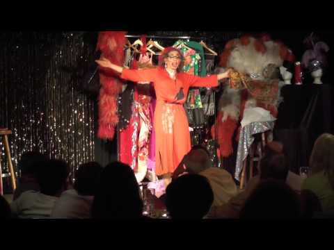 Video: Travestie-Theater-Show 25 Jahre Chantal Gpunkt - Magic Robert Crazytainment