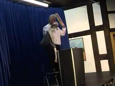 Video: Didibel und Zauberlehrling Hugo Geier