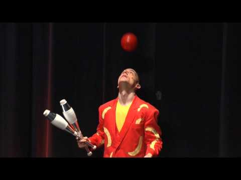 Video: Comedy-Jongleur Philipp Dammer