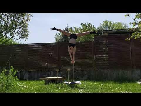 Video: Kira Rabenstein - HappyHandstandFreak - Demo