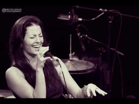 Video: Jetzt mit Sängerin!