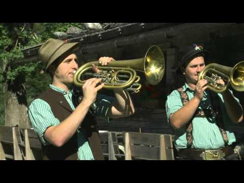 Video: Tegernseer Tanzlmusi - Erinnerungen an Brennberg