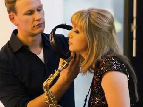 Video: Lounge Music Medley - Sax Solo