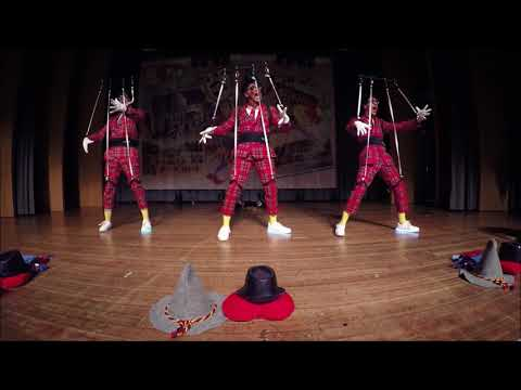 Video: Revo-Boys // Nachts im Puppenmuseum