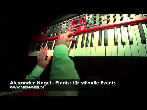 Video: 80s Hits Piano Medley