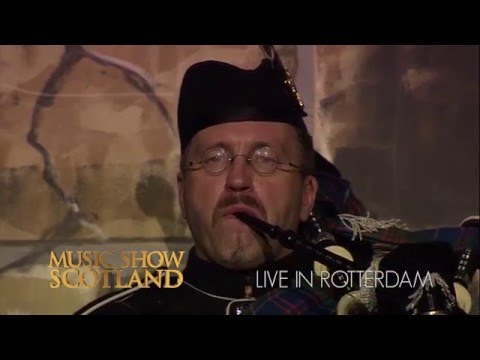Video: Lone Piper Axel Römer Musicshow Scotland in Rotterdam