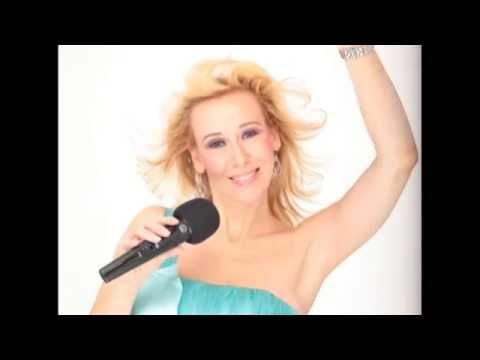 Video: Singende DJane / DJ und Live Gesang für Ihre Party, Hochzeit, (Geburtstags)Feier