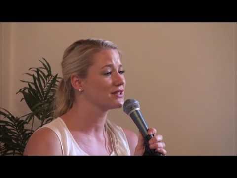 Video: Halleluhja - Janina Hinrichs