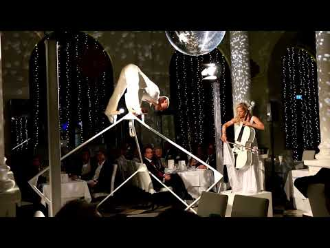 Video: Cubitos - Weisses Cello mit Equilibristik/Luftakrobatik