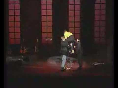 Video: Die Hochrad - Comedy - Artistik