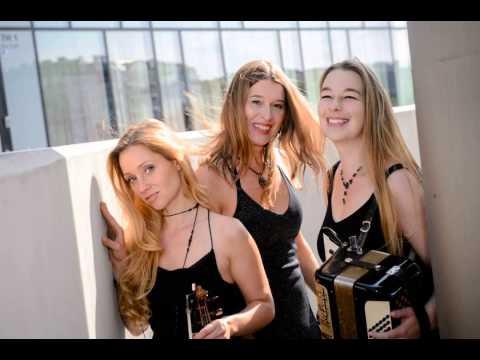 Video: Miss Celie´s Sisters: 30-er Jahre/Kann denn Liebe Sünde sein/Trio