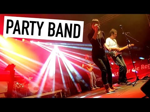 Video: CAPONES | Partyband Live